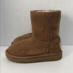 Ugg Classic Short For Toddlers